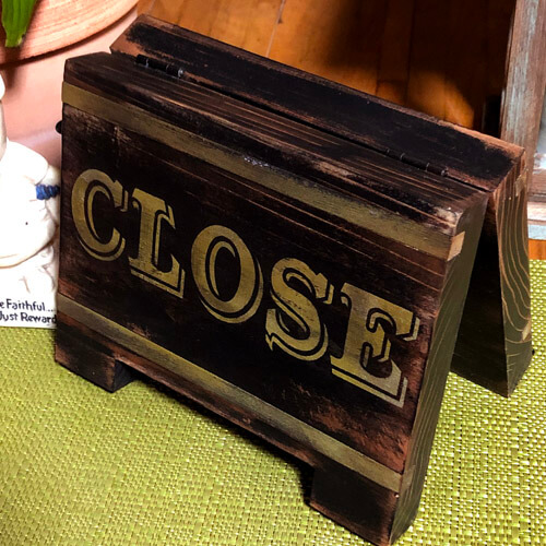 ライン入り木製イーゼル看板